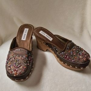 Steve Madden Jeweled clogs